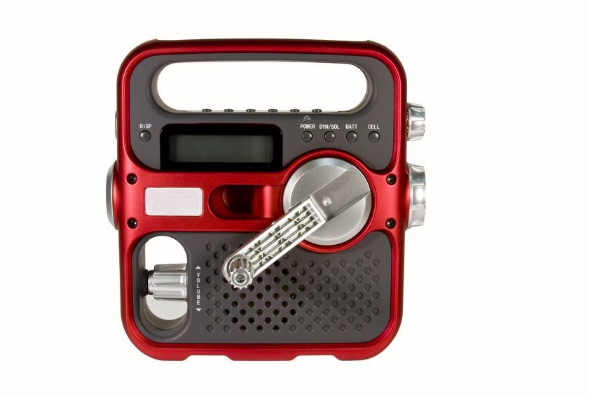 Hand crank survival radio